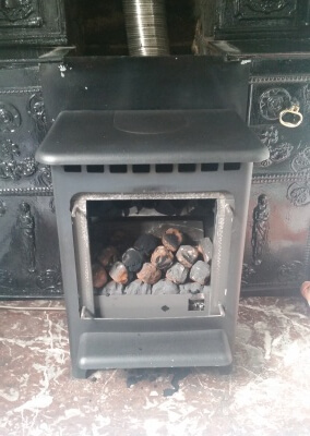 Chimney Sweep & Gas Service On A Gazco Gas Fire Stove - Norton, Stourbridge, West Midlands. Condemned Until Further Action.