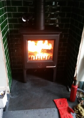 Wood Warm Firegem Multifuel stove with chimney lining - Penn, Wolverhampton