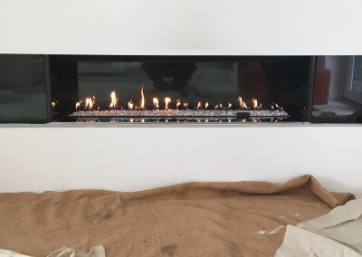 Restoration of a integrated gas fire