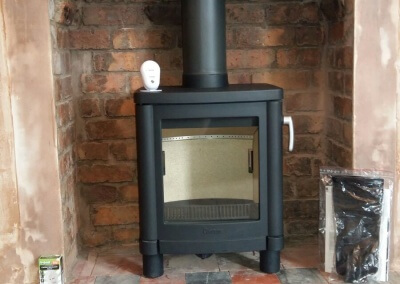 Contura 51L Woodburning Stove With Original Tiled Hearth & A 316 Graded Twin Wall Liner