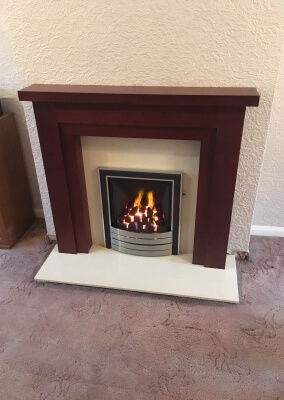 Paragon 2000 Slide Control Gas Fire With A Wooden Mantel - Kingswinford, West Midlands